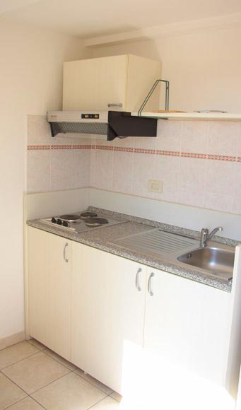 Angolo cottura appartamento Hotel Due Torri