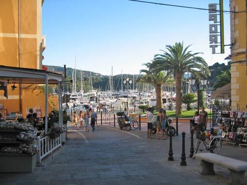 Piazza Porto Azzurro